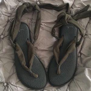 Sanyo Yoga Slinged Up Gladiator Sandal Size 7